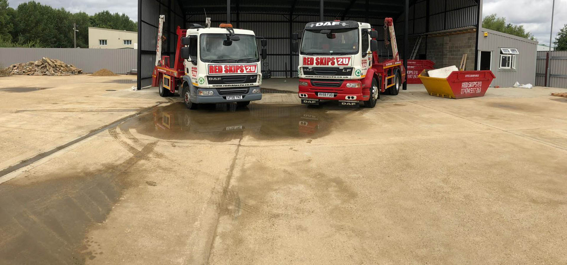 RED SKIPS 2U<br>SKIP HIRE &<br>RECYCLING SERVICES